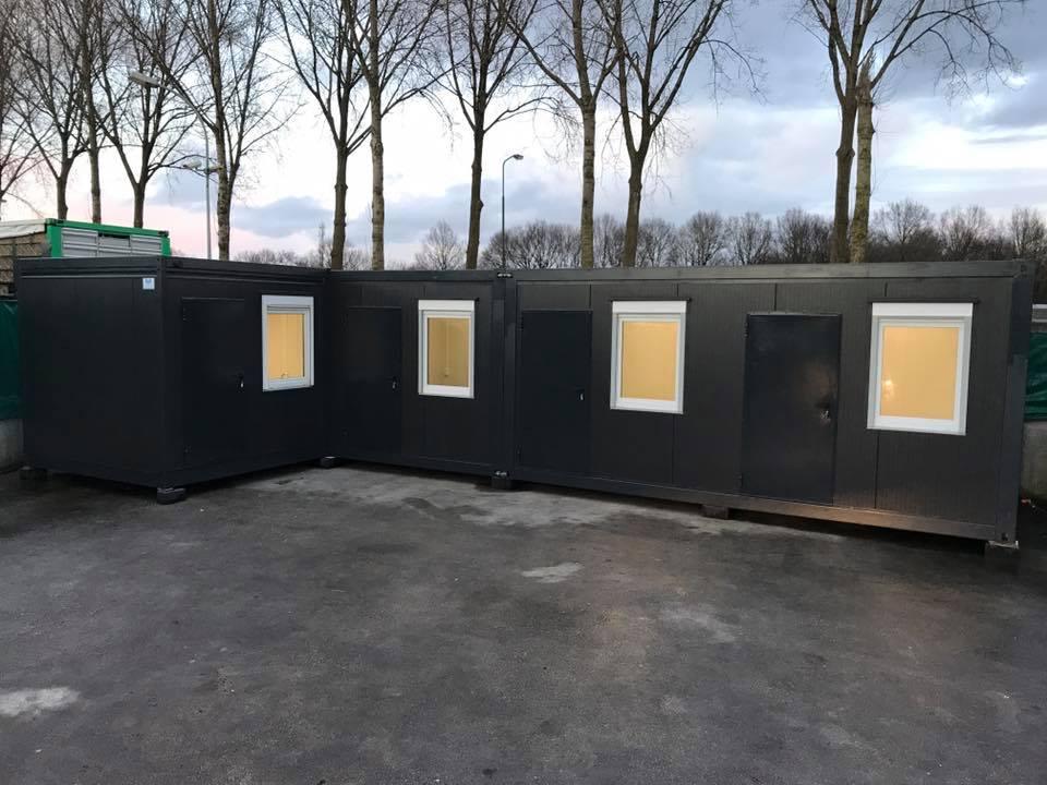 L vorm Units geplaatst in Breukelen