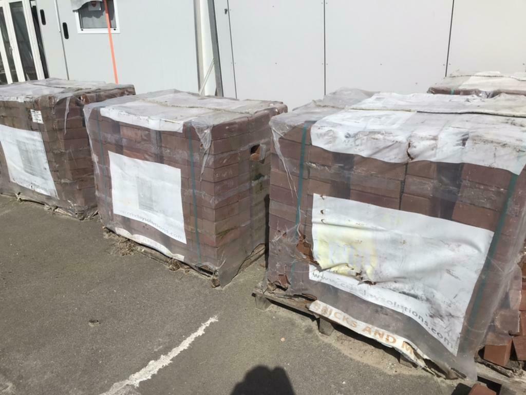 BKK's ca 20-25 pakken, rood, 220m23