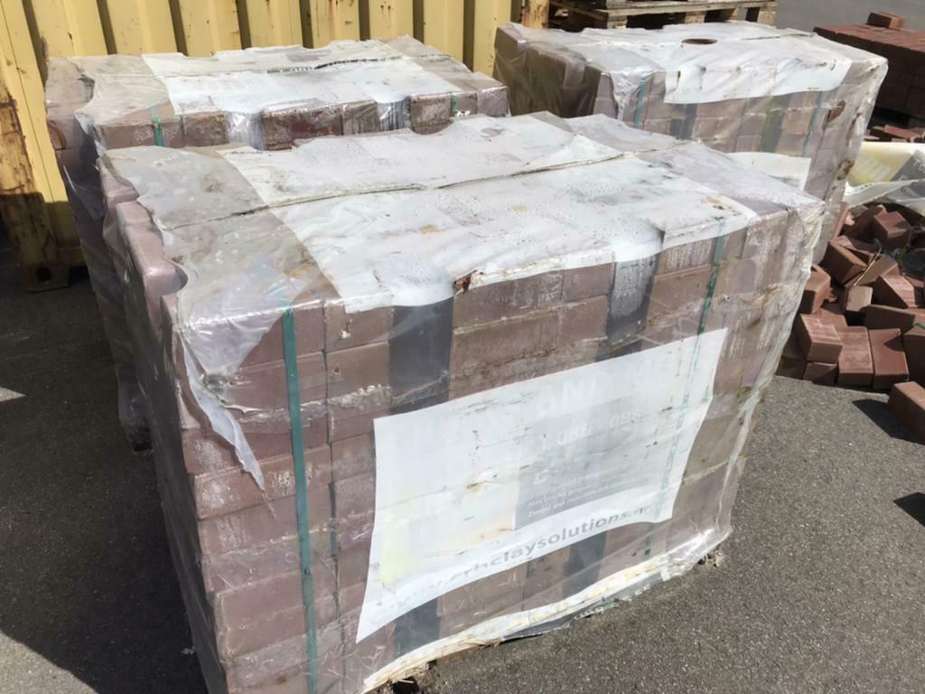 BKK's ca 20-25 pakken, rood, 220m24